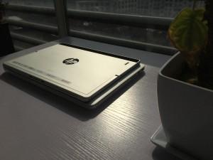 MacBook Pro 13和Elite x2 1012长宽对比