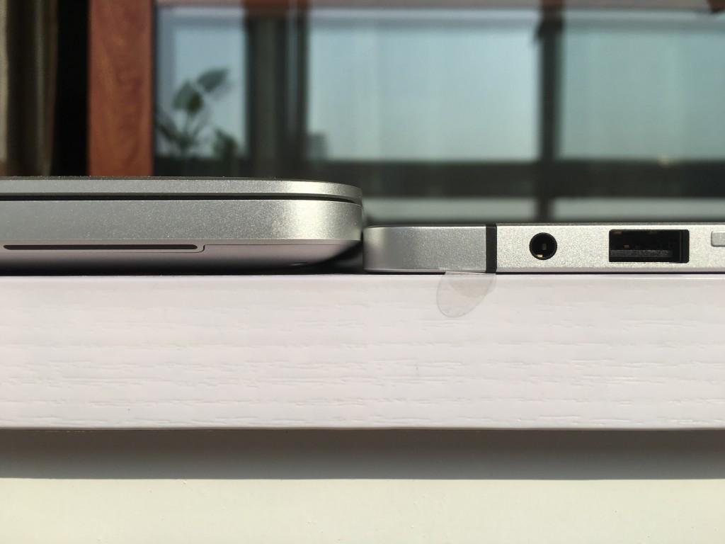 Elite x2 1012 G1和MacBook Pro 13厚度对比