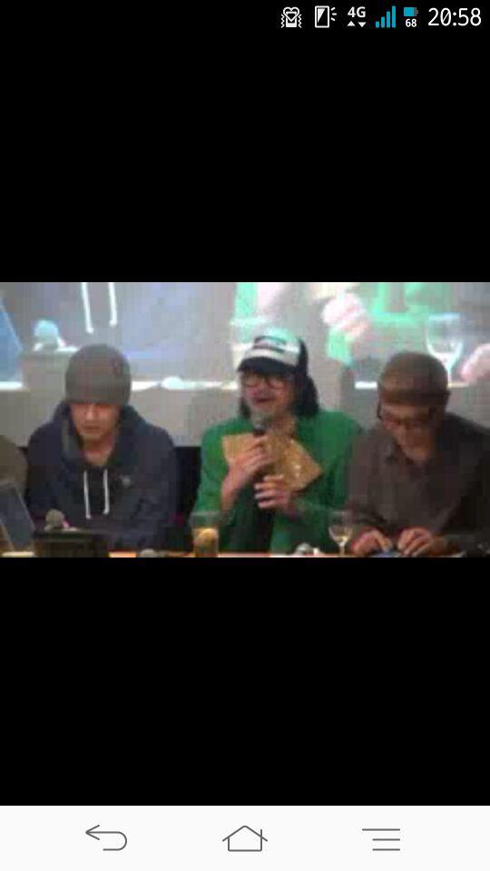整场活动其实有做直播,我当时就截了图(左至右:Hiro,sanodg,Yack.(渡部恭久))