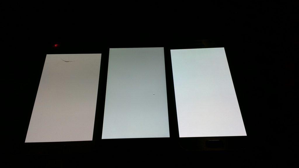 Nexus5x亮度 三星S5(左)Nexus5x(中)三星S6(右)