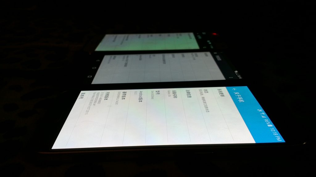 侧面视角 S6(下)Nexus5x(中)S5(上)