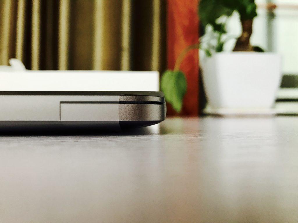 MacBook Pro 13厚度