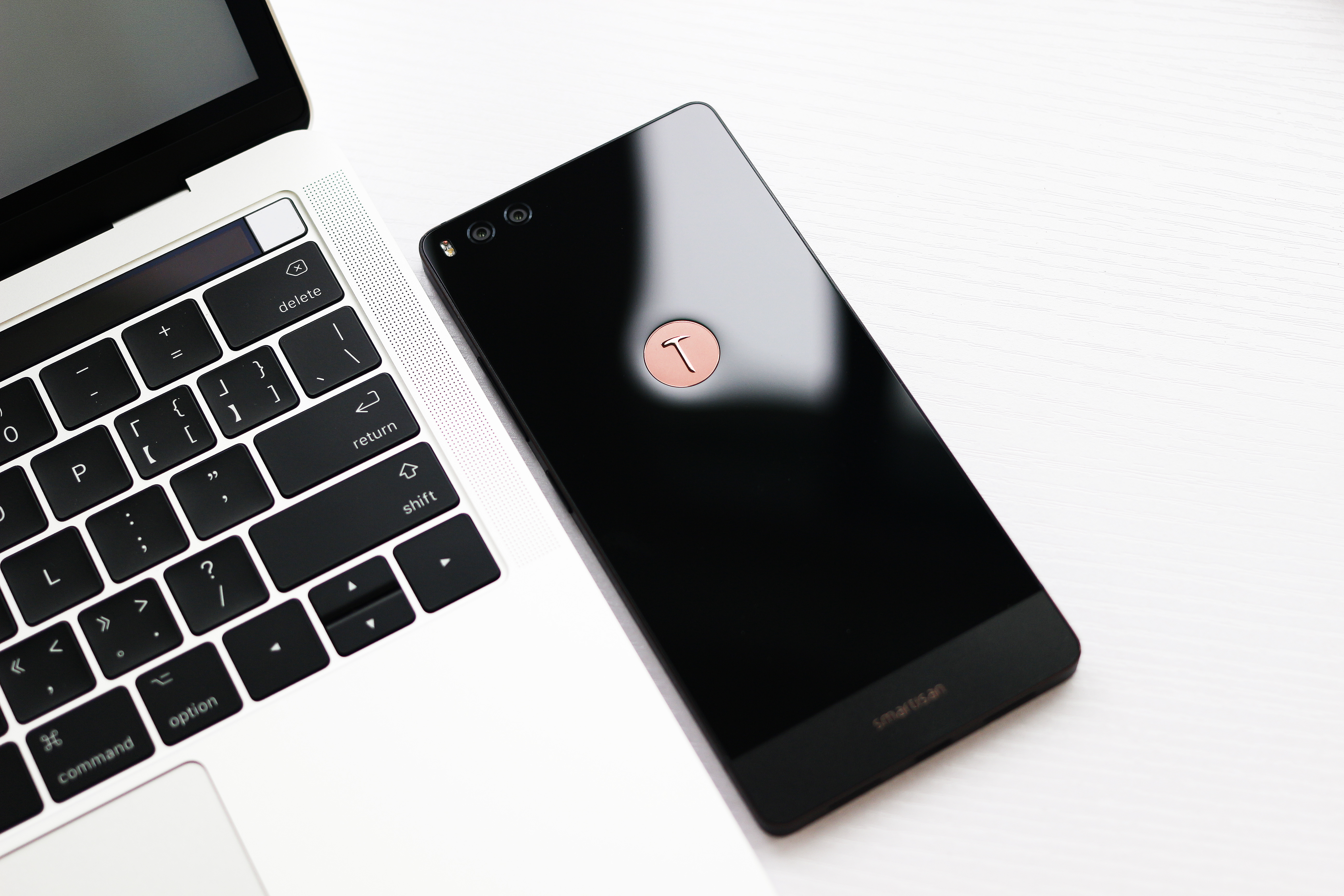 坚果Pro手机