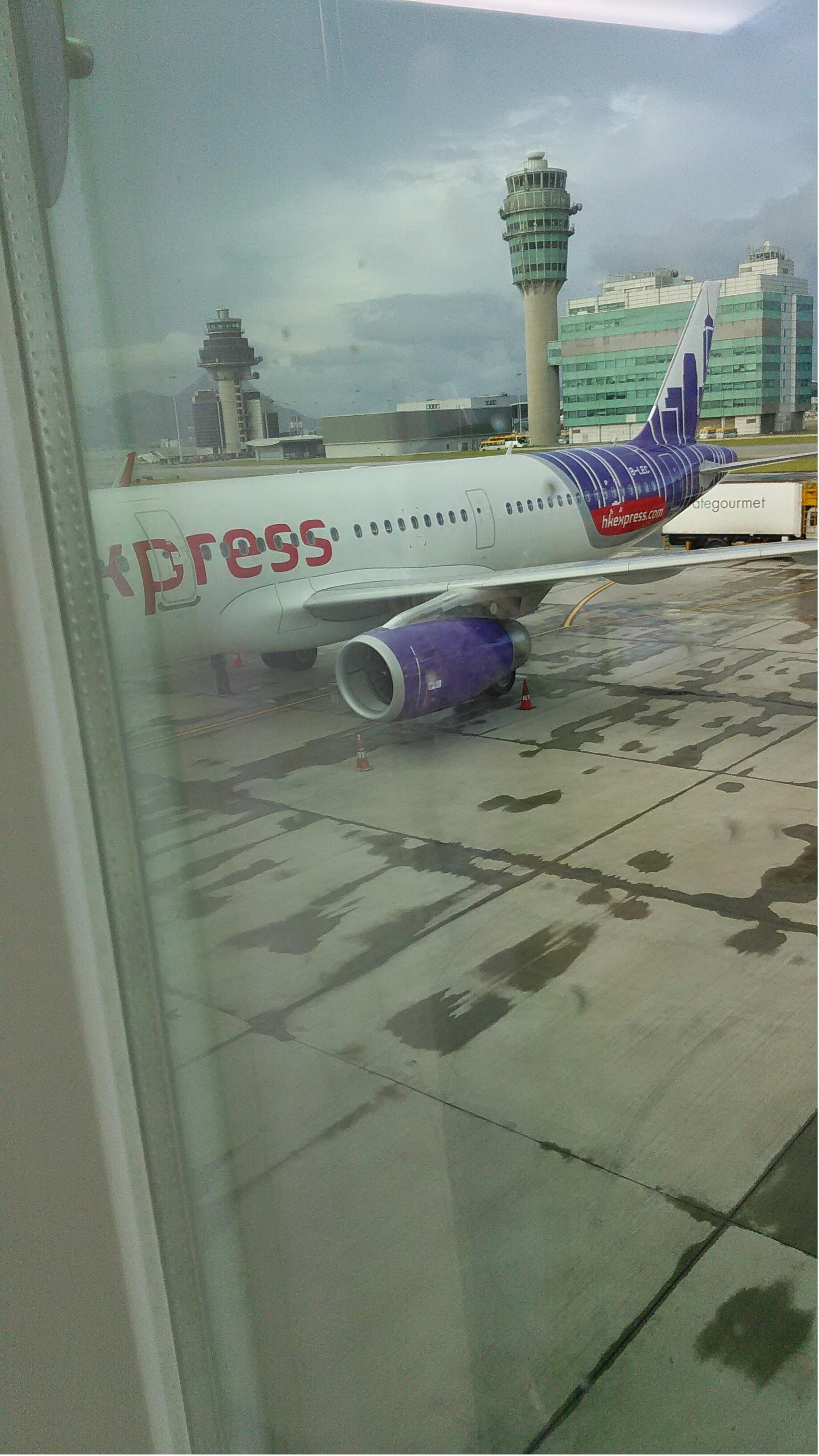 总算看到飞机了